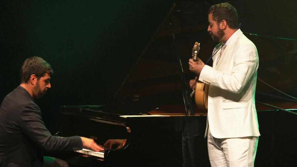 Danilo Brito & André Mehmari premiere